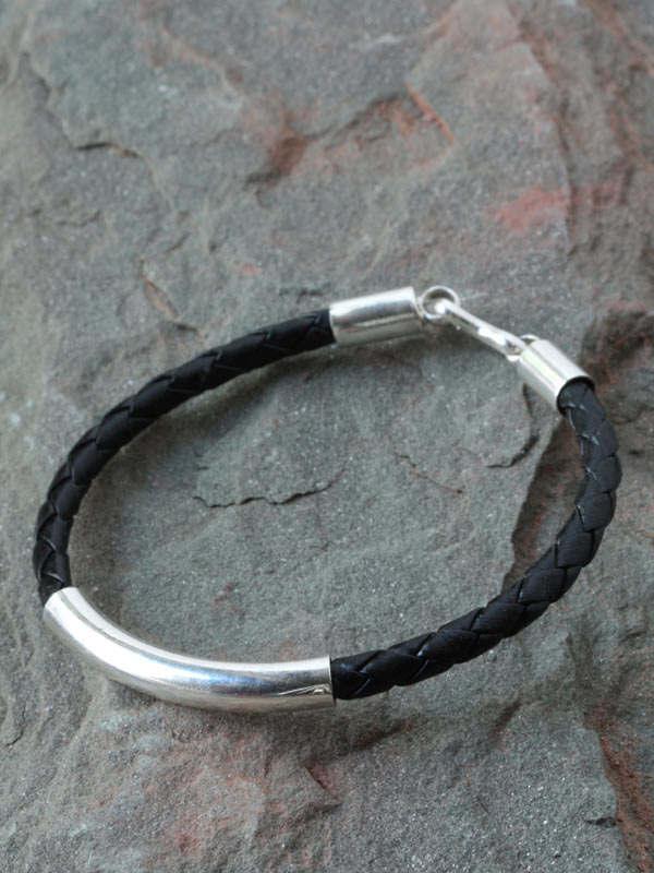 Gleaming Leather Bracelet