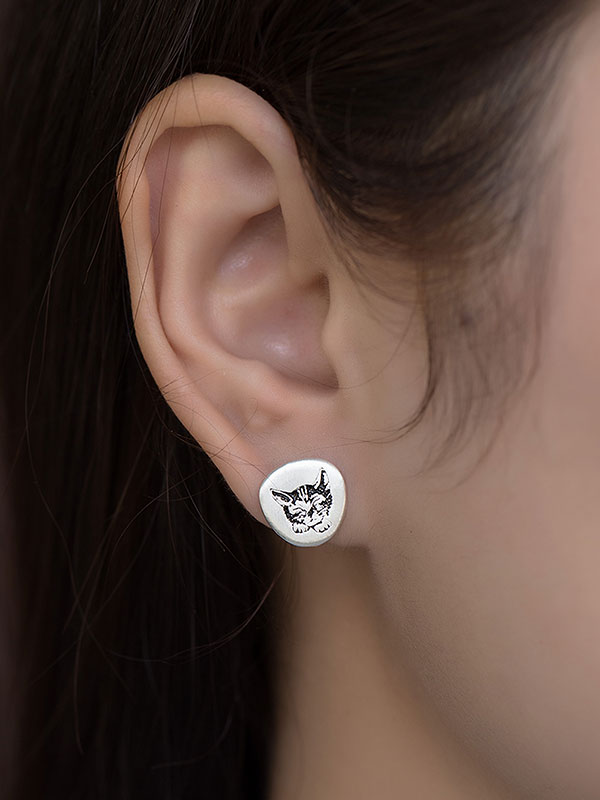 Cat Nap Earring