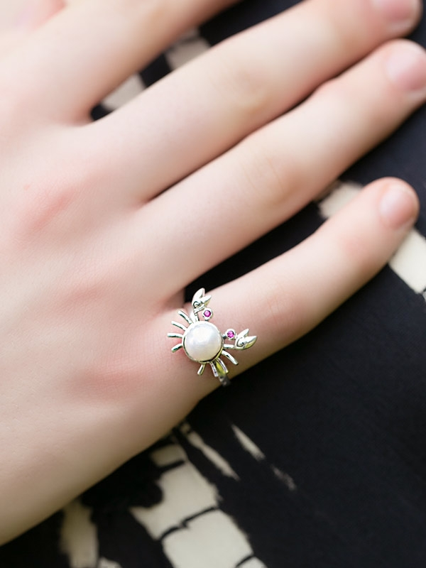 Happy Crab Ring