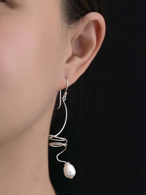 Pearl Dive Earrings