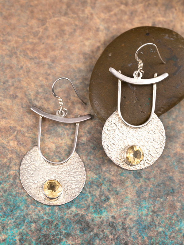 Daru Earrings
