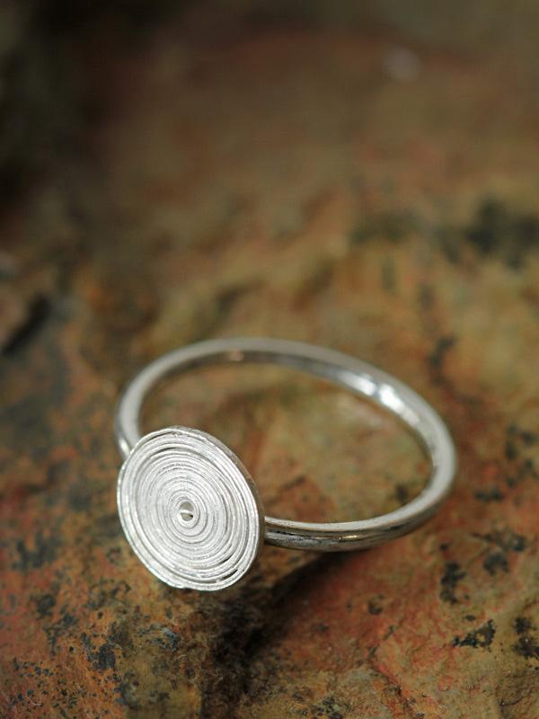 Fine Spiral Ring