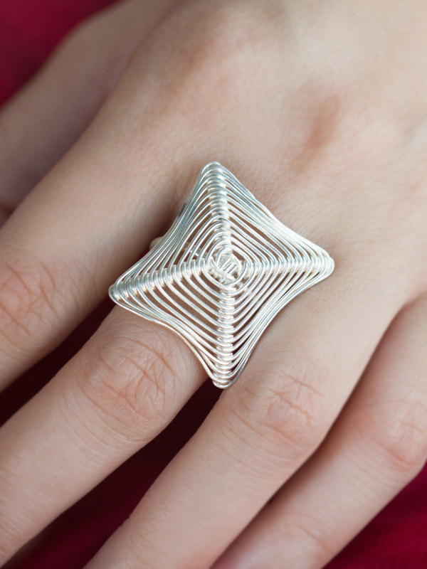 Diamond Web Ring