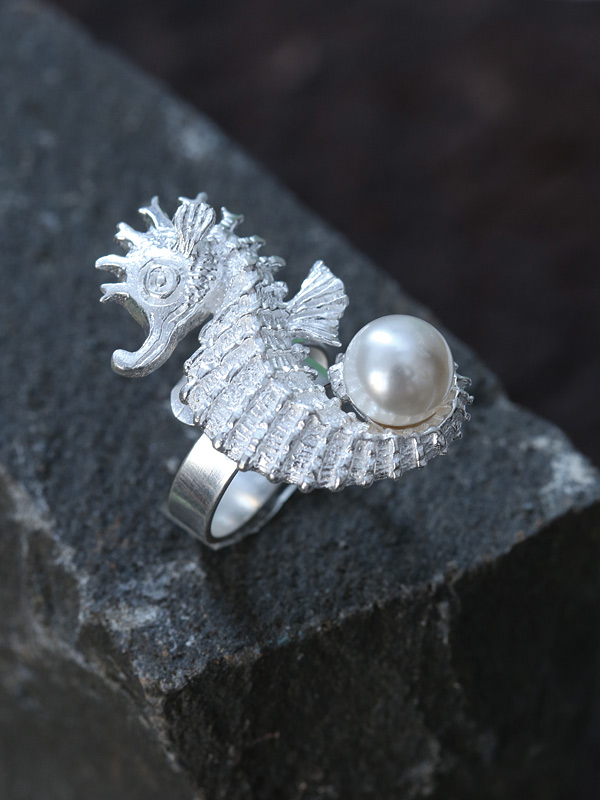 Seahorse Pearl Ring
