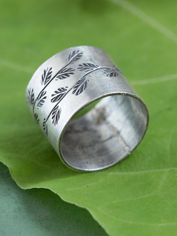 Laurel Stamp Ring