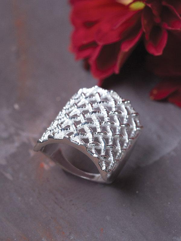 Wicker Ring
