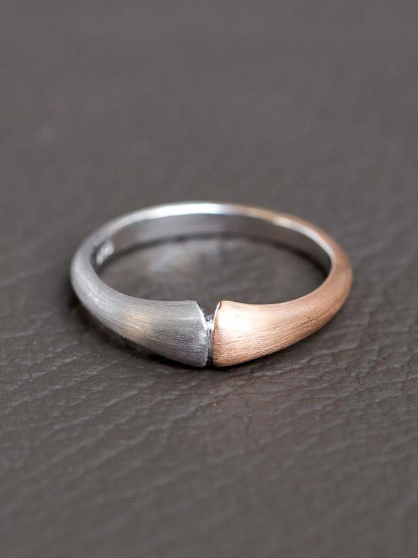 Trompetta Ring
