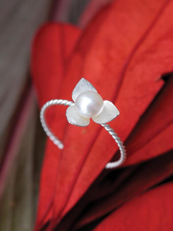 Pearl Bud Ring