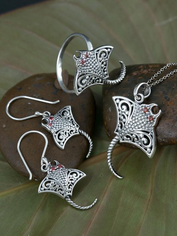 Manta Jewelry